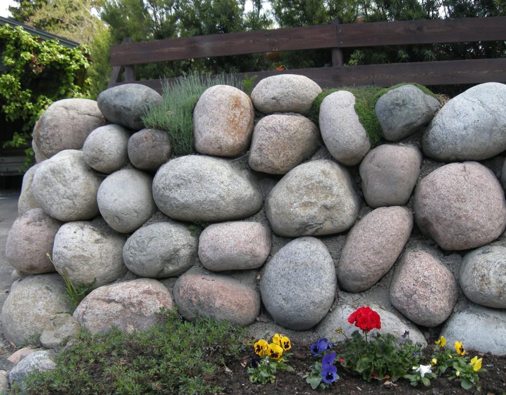 Mur av rullestein